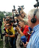 erster Pressetermin Rasenballsport e.V. Leipzig RB Leipzig Red Bull - Stadion am Bad in Markranstädt - im Bild: großes Medieninteresse - Fotografen , Kamerateams und Rundfunk. Foto: Norman Rembarz..