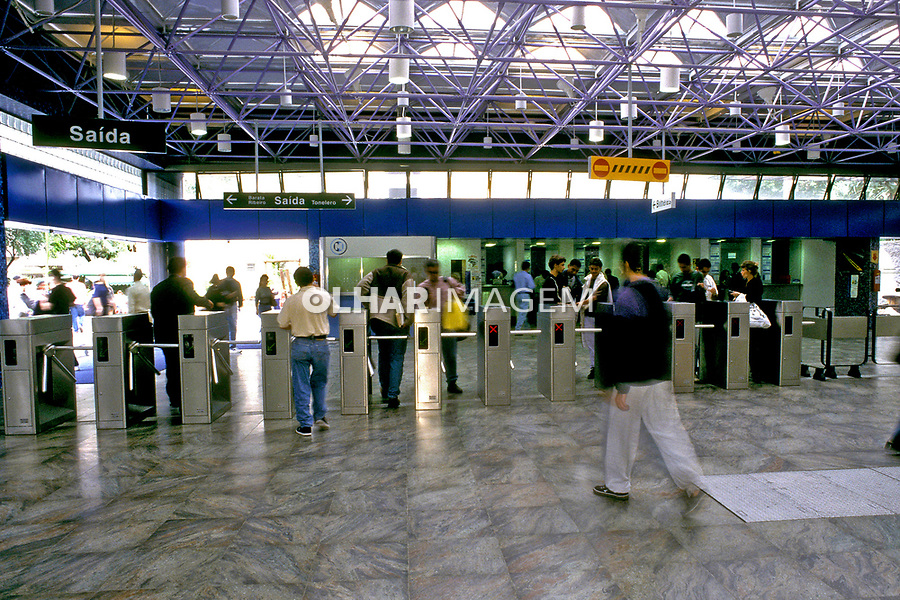 Estação do Metrô Arcoverde, Rio de Janeiro. 2001. Foto de Renata Mello.