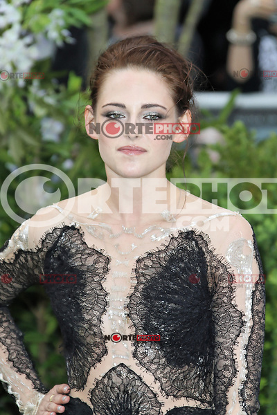 LONDON - MAY 14: Kristen Stewart attends the World Film Premiere of 'Snow White And The Huntsman' at the Empire Cinema, Leicester Square, London, UK. May 14, 2012. (Photo by Richard Goldschmidt)