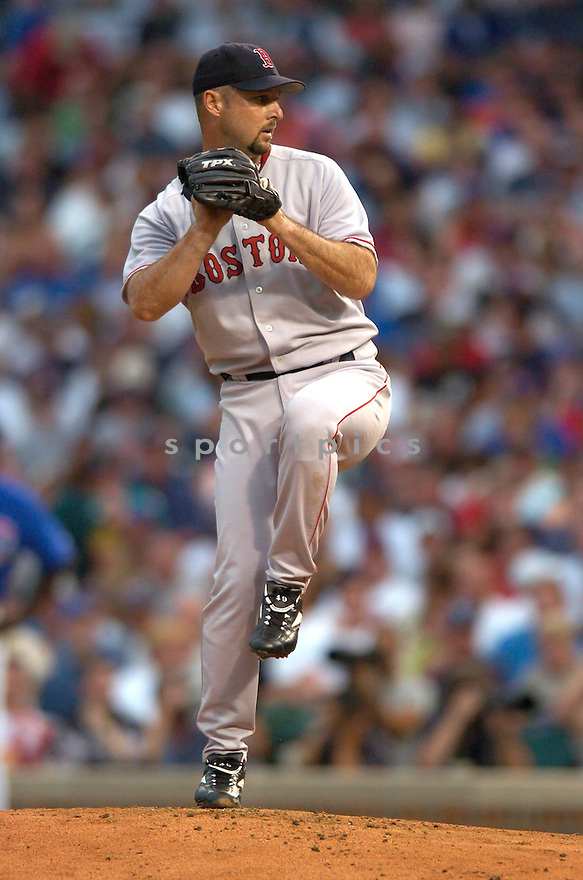 Tim Wakefield of the Boston Red Sox in action against the Chicago Cubs. ....Red Sox won 8-1.....David Durochik / SportPics..