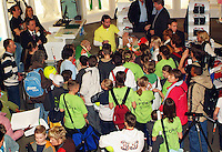 22-2-06, Netherlands, tennis, Rotterdam, ABNAMROWTT, Kidsday,autograph session with Raemon Sluiter