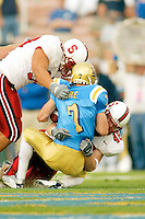 David Bergeron during Stanford's 28-18 loss to UCLA on October 26, 2002 in Los Angeles, CA.<br />