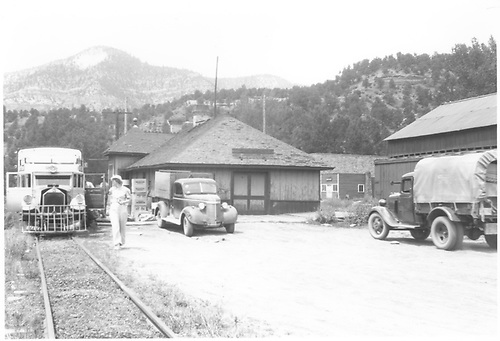 RGS Goose #5 making the Placerville station stop.<br /> RGS  Placerville, CO  8/8/1940