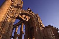 SIRIA - sito di Palmira(Tadmor)  arco monumentale ingresso colonnato