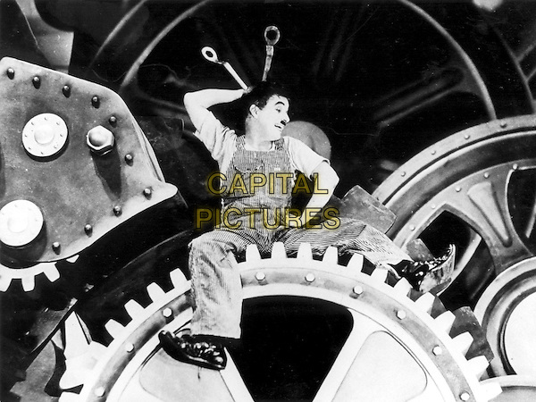 CHARLIE CHAPLIN.in Modern Times (1936).charles.*Filmstill - Editorial Use Only*.CAP/STF/PEL.Supplied by Capital Pictures.