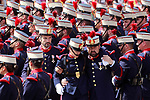 A member of the Royal Guard is aided by his companions after suffering a fainting during the Armed Forces Day. May 27 ,2017. (ALTERPHOTOS/Acero)