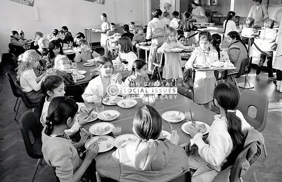 School dinners, Stanley Junior School, Nottingham November 1986 UK