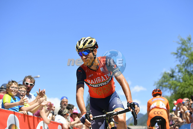Vincenzo Nibali (ITA) Bahrain-Merida arrives at sign on before the start of Stage 18 of the 100th edition of the Giro d'Italia 2017, running 137km from Moena to Ortisei/St. Ulrich, Italy. 25th May 2017.<br /> Picture: LaPresse/Fabio Ferrari | Cyclefile<br /> <br /> <br /> All photos usage must carry mandatory copyright credit (&copy; Cyclefile | LaPresse/Fabio Ferrari)
