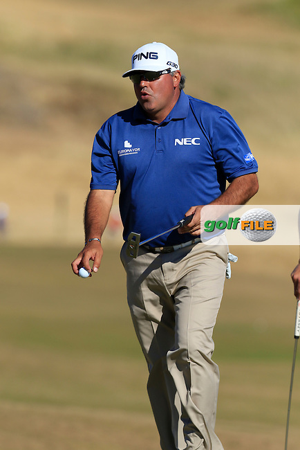 Angel Cabrera (ARG) sinks his putt on the 5th green during Friday's Round 2 of the 2015 U.S. Open 115th National Championship held at Chambers Bay, Seattle, Washington, USA. 6/20/2015.<br /> Picture: Golffile   Eoin Clarke<br /> <br /> <br /> <br /> <br /> All photo usage must carry mandatory copyright credit (&copy; Golffile   Eoin Clarke)