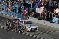 19-20 February, 2016, Daytona Beach, Florida USA<br /> Benny Gordon makes a pit stop.<br /> ©2016, F. Peirce Williams