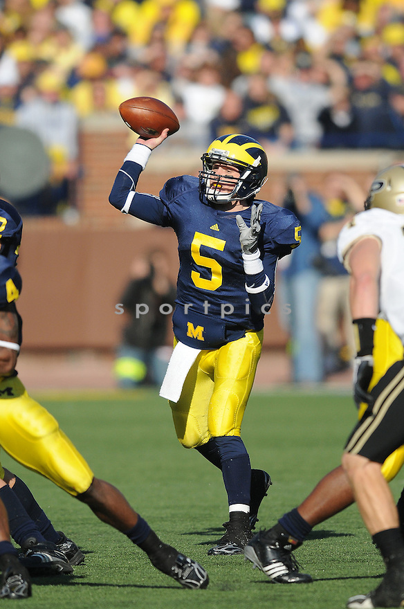 TATE FORCIER, of the Michigan Wolverines, in action during the Wolverines game against the Purdue Boilermakers on November 7, 2009 in Ann Arbor MI. Purdue won 38-36.