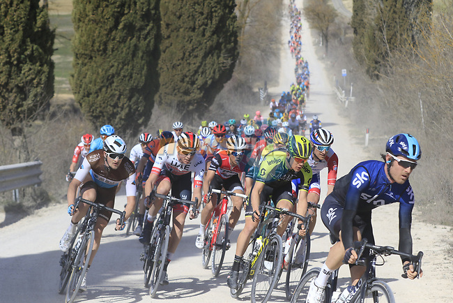 The peloton including Chris Juul Jensen (IRL/DEN) Mitchelton-Scott on sector 2 Bagnaia during Strade Bianche 2019 running 184km from Siena to Siena, held over the white gravel roads of Tuscany, Italy. 9th March 2019.<br /> Picture: Eoin Clarke | Cyclefile<br /> <br /> <br /> All photos usage must carry mandatory copyright credit (© Cyclefile | Eoin Clarke)