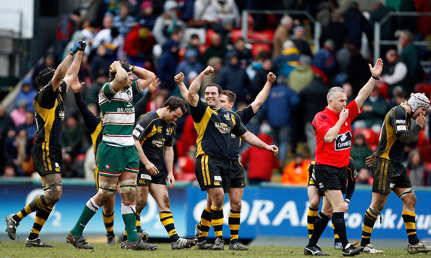 Photo: Richard Lane/Richard Lane Photography..Leicester Tigers v London Wasps. Guinness Premiership. 29/03/2008. Wasps celebrate victory on the final whistle.