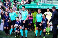 GRONINGEN - Voetbal, FC Groningen - FC Utrecht,  Eredivisie , Noordlease stadion, seizoen 2017-2018, 27-08-2017,   arbiter Manschot komt het veld op met de spelers