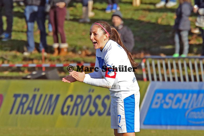 Martina Moser (Hoffenheim) feuert die Teamkolleginnen nach dem 5:2 an - 1. FFC Frankfurt vs. TSG 1899 Hoffenheim