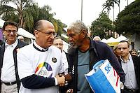 SAO PAULO, SP, 30 DE MAIO 2013 - 13ª Feira LGBT no Geraldo Alckin durante abertura da 13ª Feira Cultural LGBT, que faz parte da programação do Mês do Orgulho LGBT, no Vale do Anhangabaú, centro de São Paulo, nesta quinta-feira, 30. O evento antecede a Parada Gay de São Paulo que ocorre domingo.<br /> (FOTO: PADUARDO / BRAZIL PHOTO PRESS).