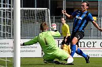 ASSEN - Voetbal - ACV - Hercules, KNVB beker, seizoen 2017-2018, 19-08-2017, Thomas Metzemaekers strandt op doelman Fons Mulder