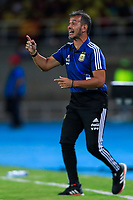 PEREIRA, COLOMBIA - JANUARY 18:  Argentina's coach Fernando Batista gives instructions to his players during their CONMEBOL Pre-Olympic soccer game against Colombia at the Hernan Ramirez Villegas Stadium on January 18, 2020 in Pereira, Colombia. (Photo by Daniel Munoz/VIEW press/Getty Images)