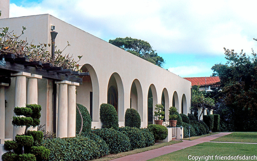 Irving Gill: La Jolla Woman's Club, 1913. Mission style. Photo '78.