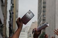 SÃO PAULO, SP, 26.05.2015 - PROTESTO-SP - Cartaz convoca manifestantes para Ato contra o PL 4330, lei que trata das terceirizações que ocorrerá no dia 29 desde mês em frente ao prédio da secretária de Educação na Praça da República na tarde desta terça-feira, 26.  (Foto: Renato Mendes/Brazil Photo Press)
