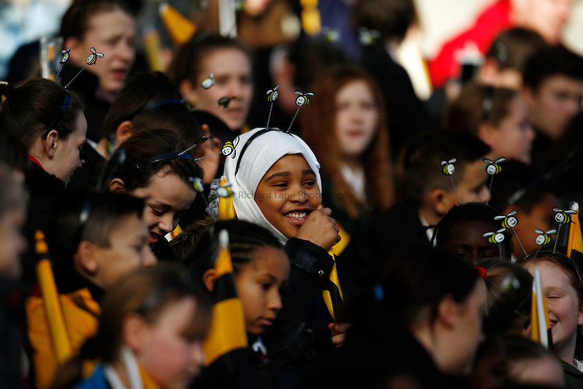 Photo: Richard Lane/Richard Lane Photography. Wasps Open Training Session at the Ricoh Arena ahead of their first game at the stadium. 16/12/2014. Young Wasps supporter.