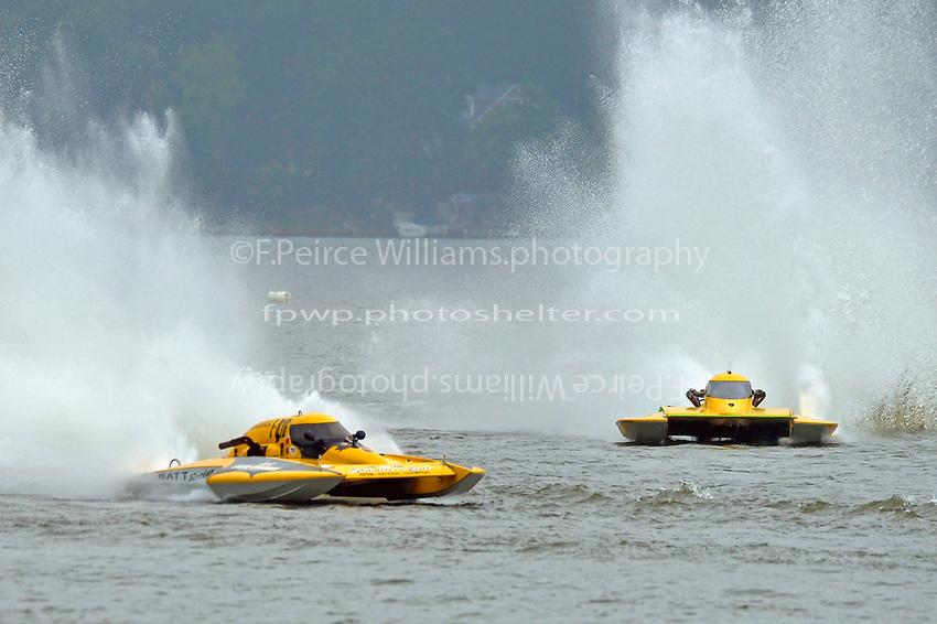"""E-816 """"Batt Boat"""" (5 Litre class hydroplane(s), Andy Keogh, E-13 """"Lady Luck"""" (5 Litre class hydroplane(s)"""