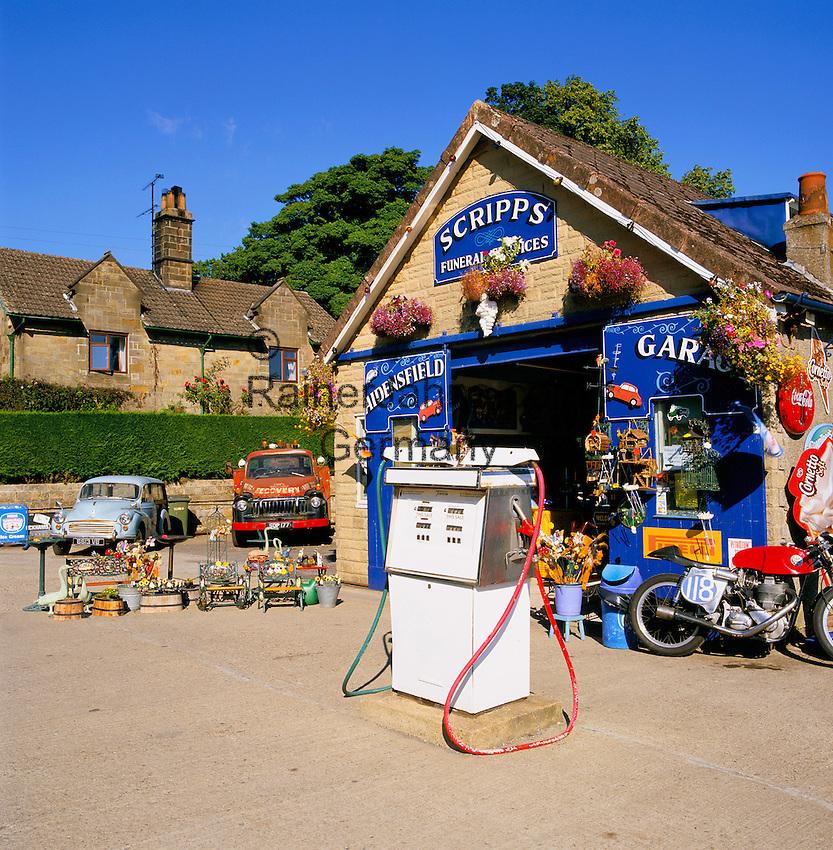 Great Britain, England, North Yorkshire, Goathland: Aidensfield Garage | Grossbritannien, England, North Yorkshire, Goathland: Aidensfield Garage