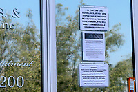 LOS ANGELES - APR 11:  Dentist Office Signage at the Businesses reacting to COVID-19 at the Hospitality Lane on April 11, 2020 in San Bernardino, CA