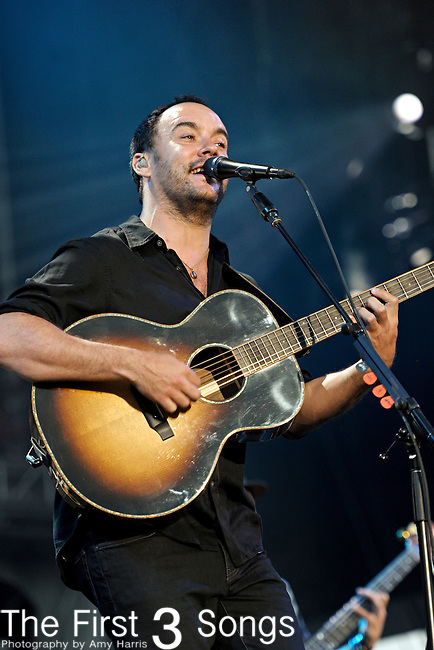 Dave Matthews of Dave Matthews Band performs during day two of the Dave Matthews Band Caravan at Lakeside on July 9, 2011 in Chicago, Illinois.