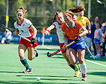 BLOEMENDAAL - Sanne Caarls (Bldaal)  tijdens de tweede Play Out wedstrijd hockey dames, Bloemendaal-MOP (5-1)  COPYRIGHT KOEN SUYK