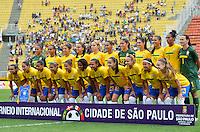 ATENÇÃO EDITOR FOTO EMBARGADA PARA VEÍCULOS INTERNACIONAIS - SAO PAULO, SP, 09 DE DEZEMBRO DE 2012 - TORNEIO INTERNACIONAL CIDADE DE SÃO PAULO - BRASIL x PORTUGAL: Seleção Brasileira durante partida Brasil x Portugal, válido pelo Torneio Internacional Cidade de São Paulo de Futebol Feminino, realizado no estádio do Pacaembú em São PauloFOTO: LEVI BIANCO - BRAZIL PHOTO PRESS