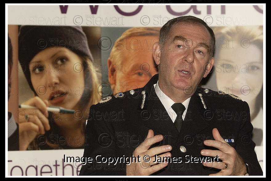 15/11/02       Copyright Pic : James Stewart                     .File Name : stewart-drugs conf 02.CENTRAL SCOTLAND POLICE CHIEF CONSTABLE ANDREW CAMERON DISCUSSES THE DRUGS PROBLEM  AT THE DRUGS PRESS CONFERENCE IN FALKIRK TODAY.........(see copy from Jim Davis)....James Stewart Photo Agency, 19 Carronlea Drive, Falkirk. FK2 8DN      Vat Reg No. 607 6932 25.Office : +44 (0)1324 570906     .Mobile : + 44 (0)7721 416997.Fax     :  +44 (0)1324 570906.E-mail : jim@jspa.co.uk.If you require further information then contact Jim Stewart on any of the numbers above.........