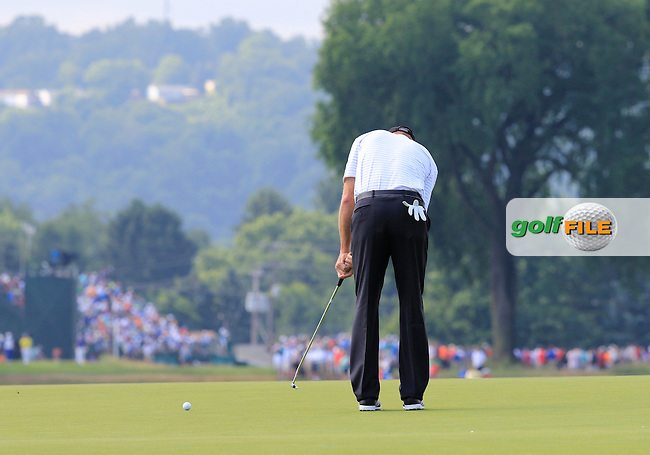 Jim Furyk (USA) putts on the 3rd green during Friday's Round 1 of the 2016 U.S. Open Championship held at Oakmont Country Club, Oakmont, Pittsburgh, Pennsylvania, United States of America. 17th June 2016.<br /> Picture: Eoin Clarke | Golffile<br /> <br /> <br /> All photos usage must carry mandatory copyright credit (&copy; Golffile | Eoin Clarke)