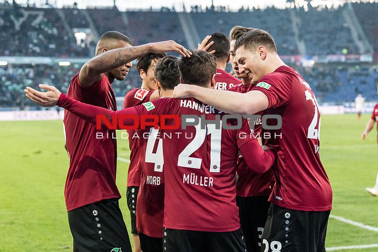 09.02.2019, HDI Arena, Hannover, GER, 1.FBL, Hannover 96 vs 1. FC Nuernberg<br /> <br /> DFL REGULATIONS PROHIBIT ANY USE OF PHOTOGRAPHS AS IMAGE SEQUENCES AND/OR QUASI-VIDEO.<br /> <br /> im Bild / picture shows<br /> Jubel 2:0, Nicolai Müller / Mueller (Neuzugang Hannover 96 #21) bejubelt seinen zweiten Treffer im Spiel mit Jonathas De Jesus (Hannover 96 #09) und Teamkollegen,  <br /> <br /> Foto © nordphoto / Ewert