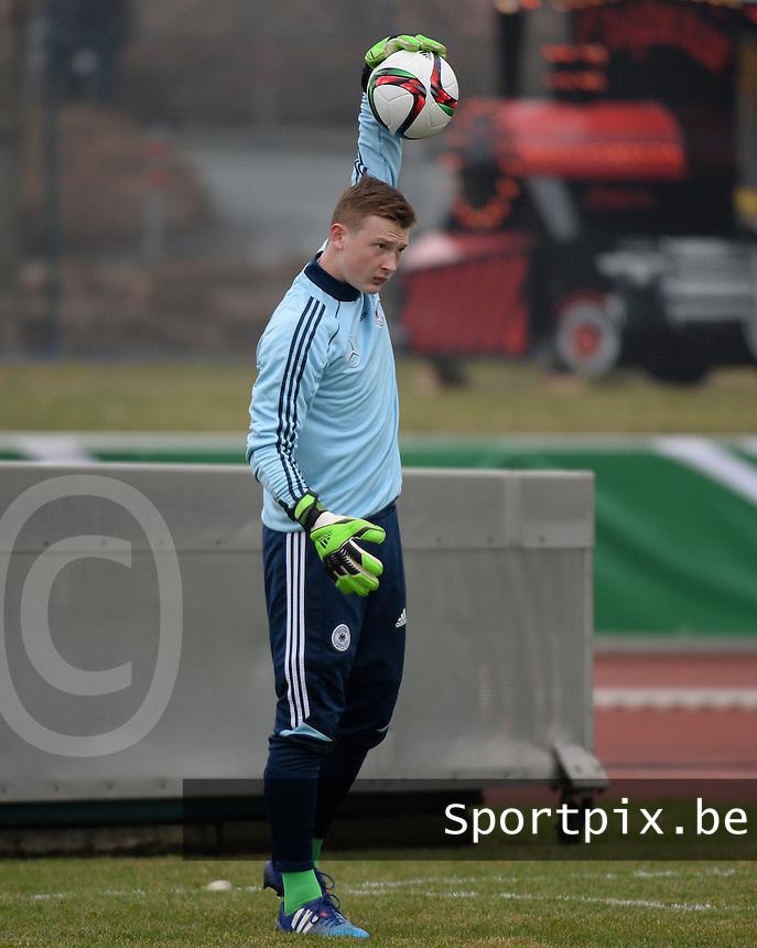 Markus Schubert germany v slovakia uefa 17 chionship elite