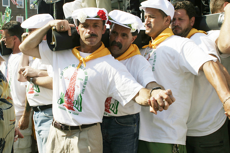 "The lifters (or ""Paranza"") at the annual Feast of Our Lady of Mount Carmel and the Dancing of the Giglio in Brooklyn, NY, on July 11, 2004."