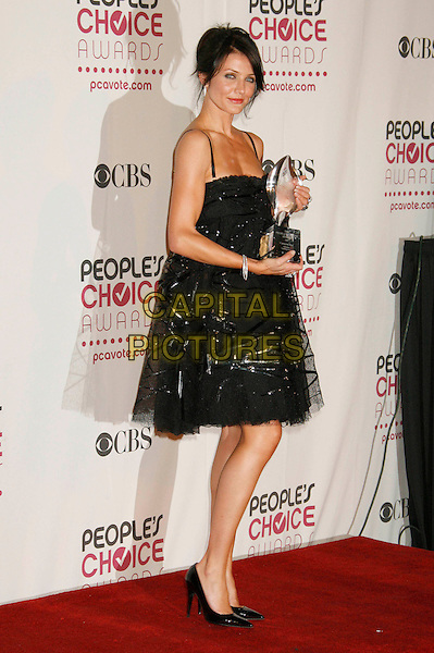 CAMERON DIAZ.The 33rd Annual People's Choice Awards held at The Shrine Auditorium, Los Angeles, California, USA..January 9th, 2007.full length black award trophy dress sheer.CAP/ADM/RE.©Russ Elliot/AdMedia/Capital Pictures[