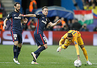Atletico de Madrid's Juanfran Torres (l) and Saul Niguez (c) and FC Barcelona's Neymar Santos Jr during Champions League 2015/2016 Quarter-Finals 2nd leg match. April 13,2016. (ALTERPHOTOS/Acero) <br /> Madrid 13/4/2016 Vicente Calderon <br /> Football Calcio 2015/2016<br /> Champions League Quarti di finale <br /> Atletico Madrid - Barcellona <br /> Foto Alterphotos / Insidefoto <br /> ITALY ONLY