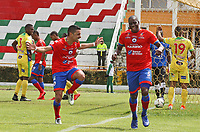 IPIALES - COLOMBIA, 20-08-2019: Geisson Perea del Pasto celebra después de anotar el segundo gol de su equipo partido por la fecha 6 de la Liga Águila II 2019 entre Deportivo Pasto y Atlético Huila jugado en el estadio Estadio Municipal de Ipiales. / Geisson Perea of Pasto celebrates after scoring the second goal of his team during match for the date 6 as part of Aguila League II 2019 between Deportivo Pasto and Atletico Huila played at Municipal stadium of Ipiales. Photo: VizzorImage / Leonardo Castro / Cont