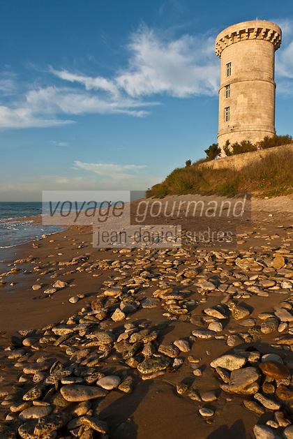 Europe/France/Poitou-Charentes/17/Charente-Maritime/Ile de Ré/Saint-Clément-des-Baleines: L'ancienne Tour des Baleines construite par Vauban