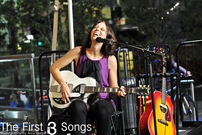 Kim Taylor performs at Fountain Square in Cincinnati, Ohio on September 4, 2009.