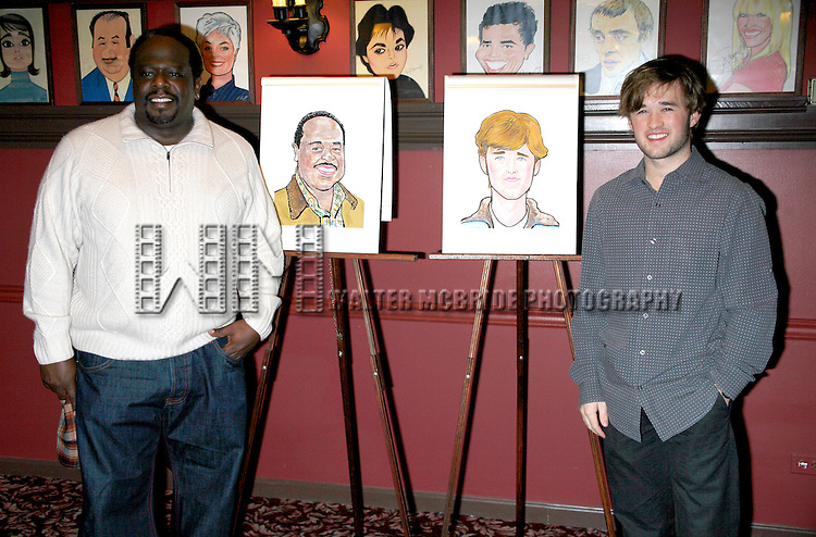 John Leguizamo unveils his AMERICAN BUFFALO co-stars Cedric The Entertainer and Haley Joel Osment Sardi's Portraits.  Sardi's Restaurant in New York City..November 11. 2008.© Walter McBride /