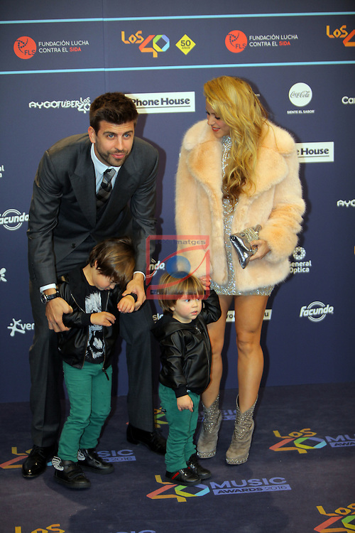 Los 40 MUSIC Awards 2016 - Photocall.<br /> Gerard Pique &amp; Shakira.