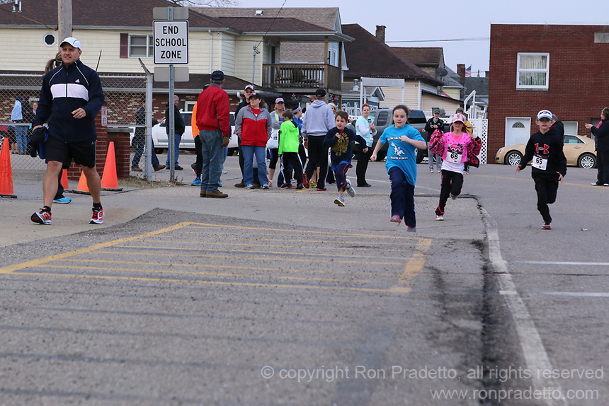 "2014 5th Annual Relay For Life Spring 5K in Tiltonsville, OH on March 22, 2014. The first race of the ""Taking Strides Towards Better Health"" Grand Prix Race Series. Diane McCracken, race director."