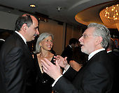 Washington, D.C. - May 9, 2009 -- David Axelrod, left, shares some thoughts with Wolf Blitzer, right as they attend one of the parties prior to the White House Correspondents Dinner in Washington, D.C. on Saturday, May 9, 2009.  The lady in the center is unidentified.Credit: Ron Sachs / CNP.(RESTRICTION: NO New York or New Jersey Newspapers or newspapers within a 75 mile radius of New York City)