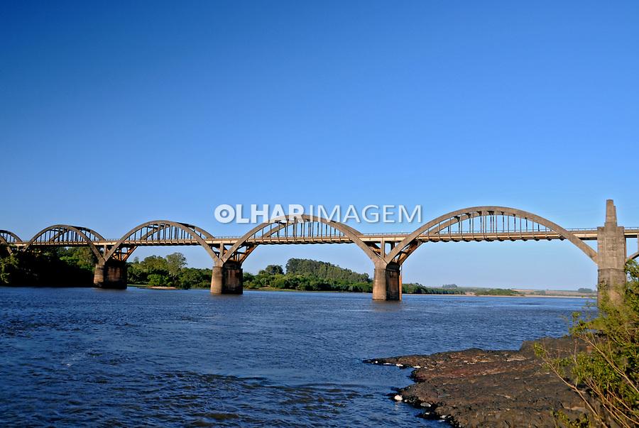 Ponte sobre o rio Ibicui em Manoel Viana. Rio Grande do Sul. 2009. Foto de Zig Koch.