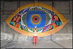 GOLA ritratto difronte alla sua opera realizzata negli spazi di BUNKER, Il nuovo progetto di Urbe nell'ex stabilimento SICMA Torino. Settembre 2012