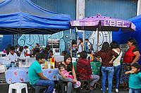 Feira de imigrantes bolivianos no bairro do Bras. Sao Paulo. 2016. Foto de Marcia Minillo.