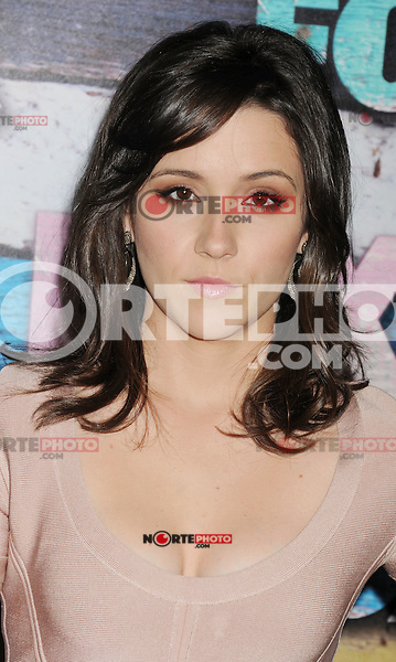 WEST HOLLYWOOD, CA - JULY 23: Shannon Woodward arrives at the FOX All-Star Party on July 23, 2012 in West Hollywood, California. / NortePhoto.com<br />