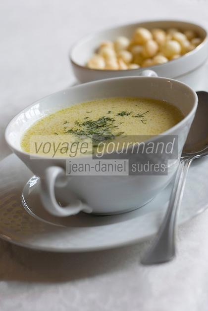 "Europe/Pologne/Kazimierz Dolny: Borsch blanc recette de César Sarzynski boulanger et cuisinier du restaurant ""Piekarna Sarzynski"""